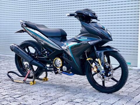 Yamaha Exciter phu carbon hon 15 trieu dong tai Viet Nam hinh anh