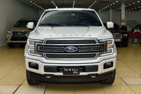 Ford F-150 Limited 2018 dau tien ve VN, gia khoang 4,6 ty dong hinh anh