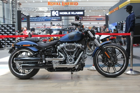 Harley-Davidson BreakOut 115 Anniversary gia 1,1 ty dong tai VN hinh anh