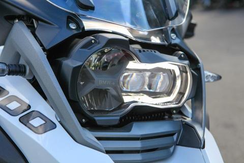 BMW R12000 GSA 2018 - sieu moto cho dan phuot gia 659 trieu hinh anh 3