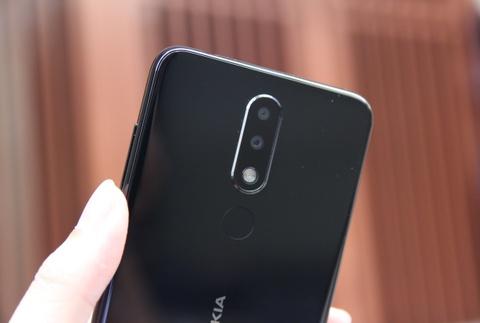 Chi tiet Nokia X5 vua ve VN - giong iPhone X, gia tu 3 trieu dong hinh anh 6