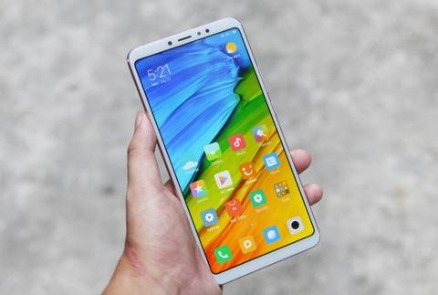 Xiaomi Mi Max 3 ve VN - man hinh to, pin 5.500 mAh, gia tu 6 trieu hinh anh 1