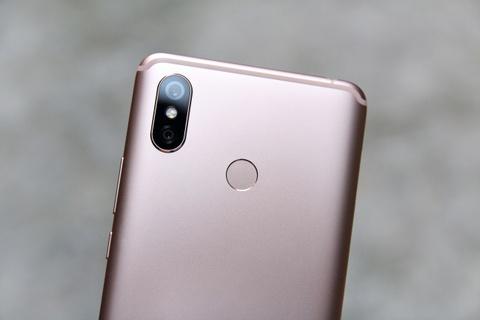 Xiaomi Mi Max 3 ve VN - man hinh to, pin 5.500 mAh, gia tu 6 trieu hinh anh 3