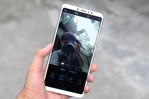 Xiaomi Mi Max 3 ve VN - man hinh to, pin 5.500 mAh, gia tu 6 trieu hinh anh 5