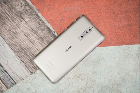 Nokia 9 se co gia 1.000 USD, canh tranh truc tiep voi iPhone X hinh anh