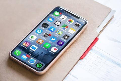 Don iPhone moi, nhieu di dong cao cap giam gia manh tai VN hinh anh