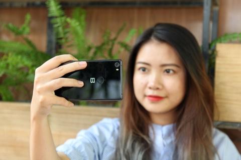 Danh gia Bphone 3 - no luc nghiem tuc cua smartphone Viet hinh anh 11