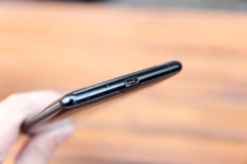 Chi tiet Sony Xperia XZ3 - gia 20 trieu, khong ban chinh hang o VN hinh anh 5