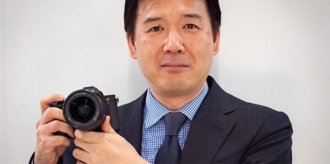 Sony: 'Chung toi co the san xuat ong kinh f/1.0 nhung khong ai can' hinh anh