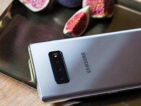 Galaxy S10 lo anh thuc te voi 3 camera sau hinh anh