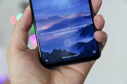 Xiaomi Mi 9 ve VN - Snapdragon 855, camera 48 MP, gia 12 trieu dong hinh anh 3