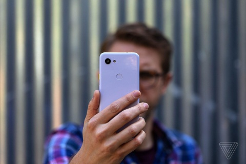 Pixel 3A gia 399 USD ra mat - cau tra loi cho thoi bao gia smartphone hinh anh 1