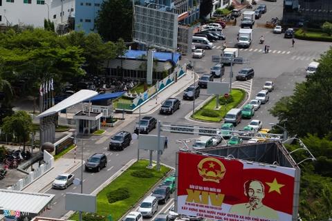 Cadillac One cua Tong thong Obama tren duong pho Sai Gon hinh anh 4