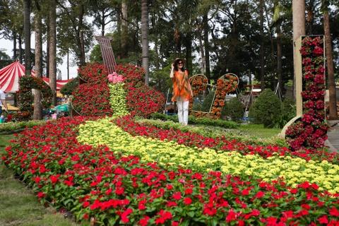 Hang nghin nguoi dao choi Hoi hoa xuan Tao Dan hinh anh 2