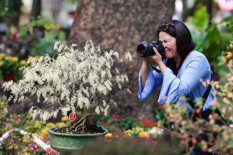Hang nghin nguoi dao choi Hoi hoa xuan Tao Dan hinh anh 12