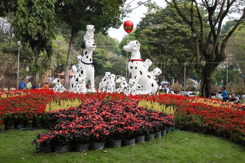 Hang nghin nguoi dao choi Hoi hoa xuan Tao Dan hinh anh 1