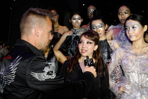 Quynh Paris duoc Fashion TV moi trinh dien thoi trang hinh anh