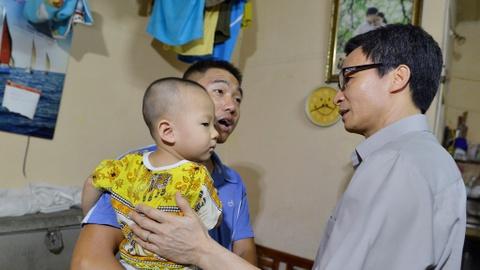 Pho Thu tuong Vu Duc Dam kiem tra phong dich sot xuat huyet Ha Noi hinh anh