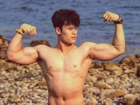 Chang trai 16 tuoi tang 12 cm chieu cao nho tap the hinh hinh anh