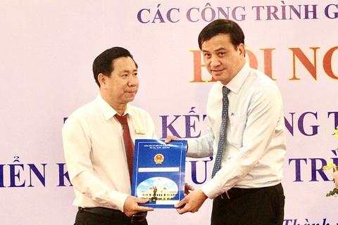 Ong Le Ngoc Hung lam Pho giam doc Ban Quan ly du an giao thong TP.HCM hinh anh