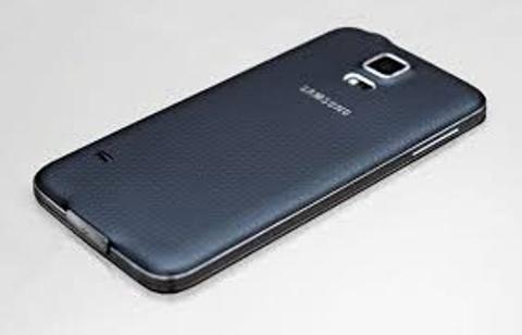 Kich ban an cap linh kien Galaxy S5 tien ty cua 4 cong nhan hinh anh