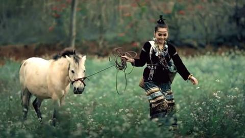 MV Tinh yeu mau nang cua Doan Thuy Trang - Big Daddy hinh anh