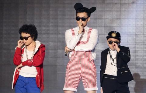 Isaac - Dong Nhi tung chieu cuoi o chung ket The Remix hinh anh