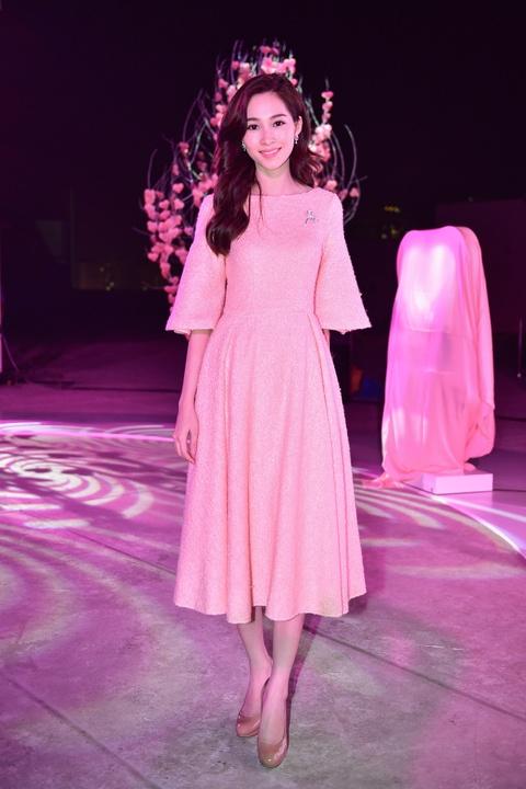 Cong Vinh tinh cam cham soc cho Thuy Tien hinh anh 5