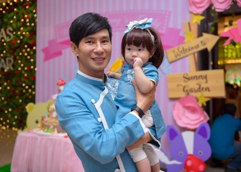 Ly Hai - Minh Ha lam tiec thoi noi cho con gai ut hinh anh 8