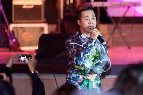 Quach Tuan Du doi dau Quang Le trong live show bolero hinh anh 5