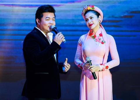 Quach Tuan Du doi dau Quang Le trong live show bolero hinh anh 9