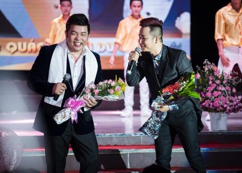 Quach Tuan Du doi dau Quang Le trong live show bolero hinh anh 2