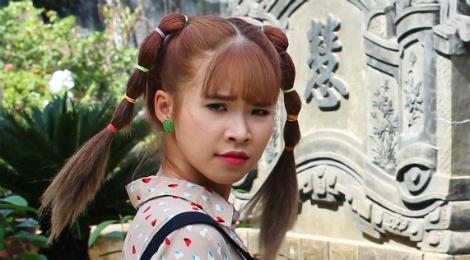 Khoi My khong dam nhin mat Tina Tinh sau mot canh quay hinh anh