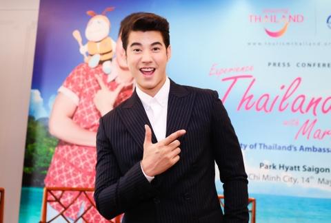 Fan Viet sung suong duoc Mario Maurer om hinh anh 12