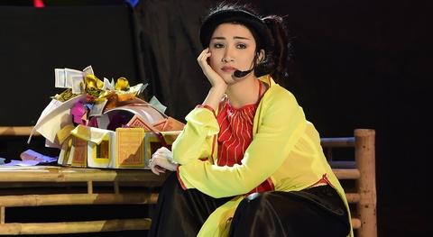 Hoa Minzy bi Hoai Linh che nhat hinh anh