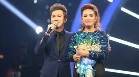 Janice Phuong khoc nuc no khi dang quang Vietnam Idol hinh anh