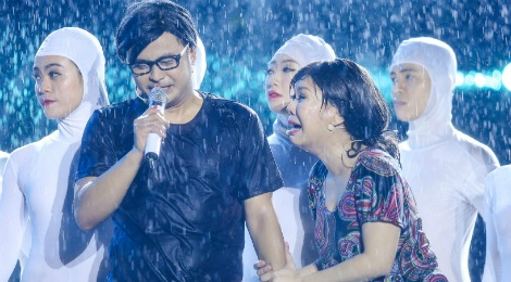 Live show 6 ty dong cua Viet Huong: Nuoc mat roi trong mua hinh anh
