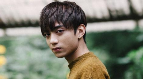Soobin Hoang Son buon ba trong MV 'Phia sau mot co gai' hinh anh