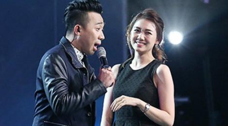 Tran Thanh diu Hari Won len san khau nhay hinh anh