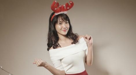 'Hot girl bolero' Jang Mi tung bo anh don Giang sinh hinh anh