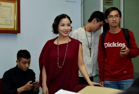 Hoai Linh treu choc can nang cua Hong Van trong canh ga hinh anh 5
