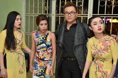 Hoai Linh treu choc can nang cua Hong Van trong canh ga hinh anh 8