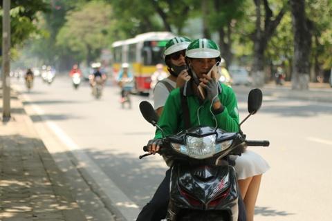 Taxi truyen thong dang 'chet': Nen tu trach chinh minh! hinh anh 2