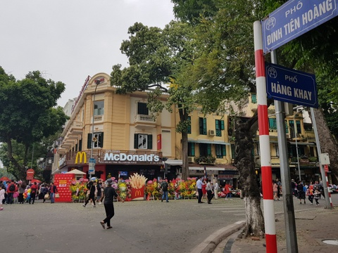 Zara, H&M, McDonald's ton bao nhieu tien de thue mat bang tai Ha Noi? hinh anh