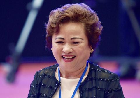 Ba Nguyen Thi Nga lam Chu tich Hapro, DN nhieu dat vang nhat Ha Noi hinh anh