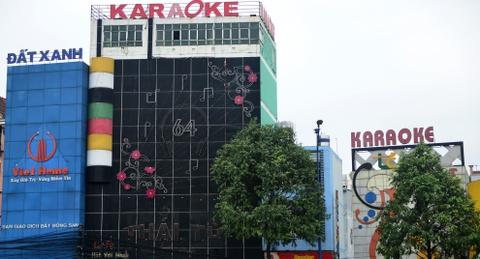 TP.HCM 'than kho' ve viec cap phep kinh doanh karaoke, massage hinh anh