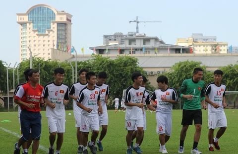HLV Graechen: 'U19 Viet Nam khong can bac si tam ly' hinh anh
