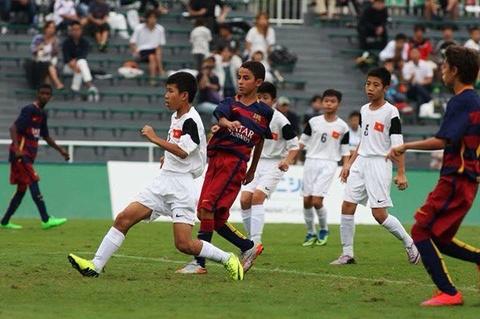 U12 Viet Nam thua Barca o tran tranh HCD giai dau tai Nhat hinh anh