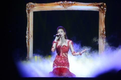 Ha Ho, Pham Huong, Lan Khue ngoi bet tam su chuyen tinh yeu hinh anh 1