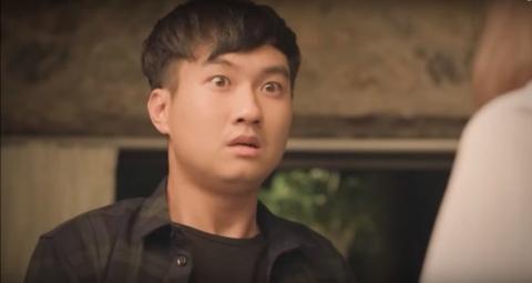 Nam chinh 'Ca mot doi an oan' bi che vi dien 'phong mom tron mat' hinh anh